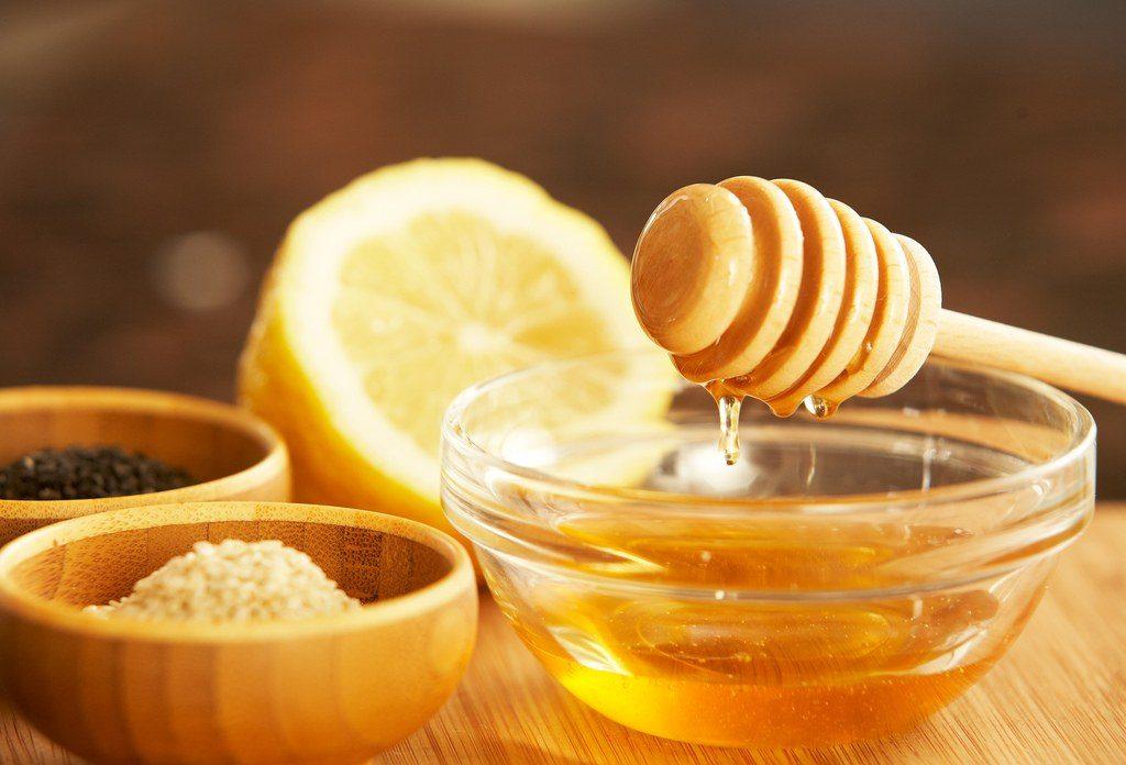 Med i limun protiv kašlja